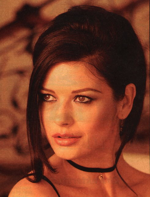 BabeStop - World's Largest Babe Site - catherine_zeta_jones045.jpg